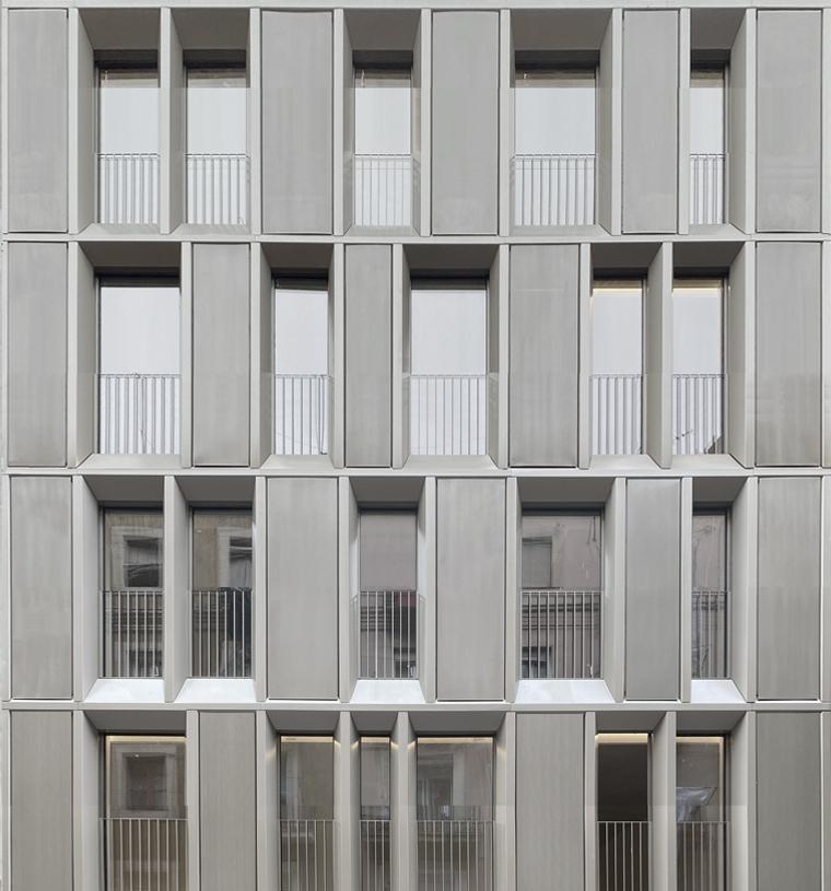 Façana principal Valldonzella 54 Barcelona Barber Renteria Arquitectes Bare